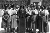 Classe de Première à Sainte-Rose-de-Lima, Port-au-Prince, 1950