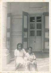 La pianiste et compositrice, Carmen Brouard et son neveu et filleul, le futur grand-peintre, Hervé Télémaque